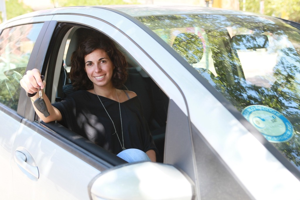 An on-line platform to rent vehicles among private individuals | The Switchers