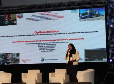 Ould Amer giving a talk on her initiative