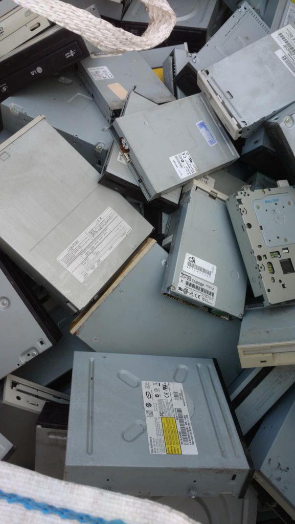 À Malte, cet entrepreneur s'attaque aux déchets d'appareils électroniques un par un |The Switchers