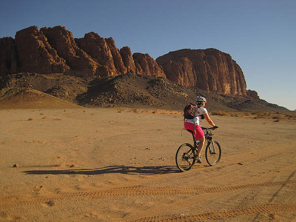Air pollution meets its match: the cycling enthusiasts of Jordan | The Switchers