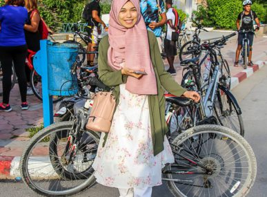 Vélorution Tunisie, a non-profit organisation for cycling enthusiasts from Tunis, is driving a variety of initiatives aimed at getting Tunisians to cut down pollution by traveling on two wheels.