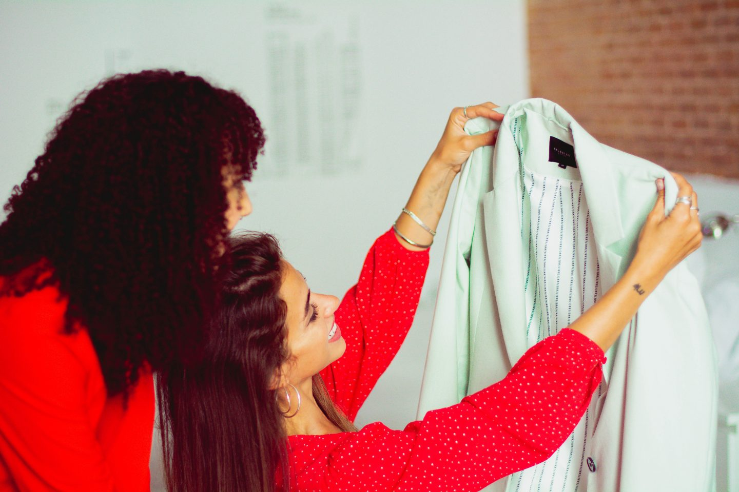 Sharing is caring — Spanish fashion company refreshes closets and reduces environmental harm | The Switchers
