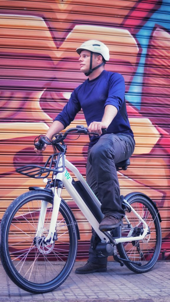 """""""De-taxi-fication"""" — Lebanese enterprise promotes e-bikes over cabs to avoid traffic 